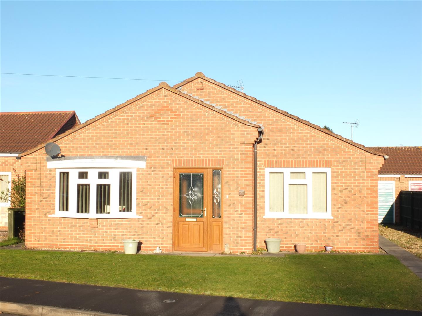 3 bed detached bungalow to rent in Holbeach Spalding, PE12 7JS - Property Image 1