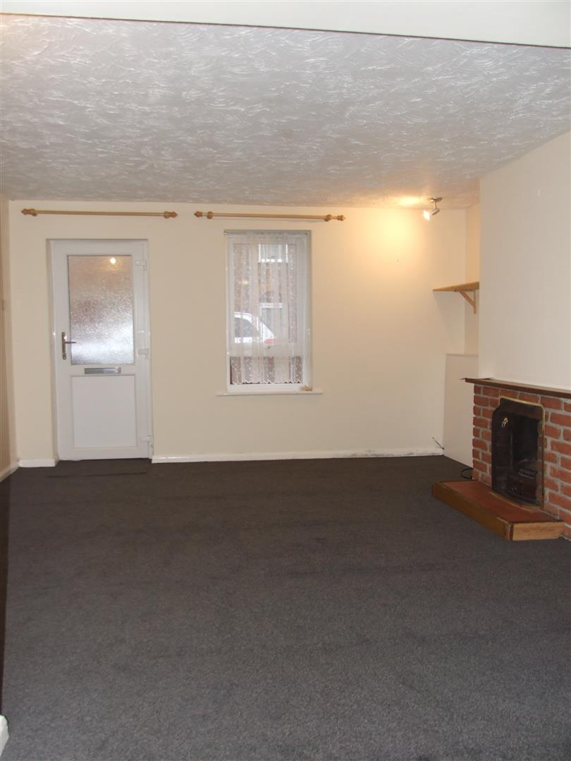 2 bed house to rent in Custom House Street, Sutton Bridge Spalding 1