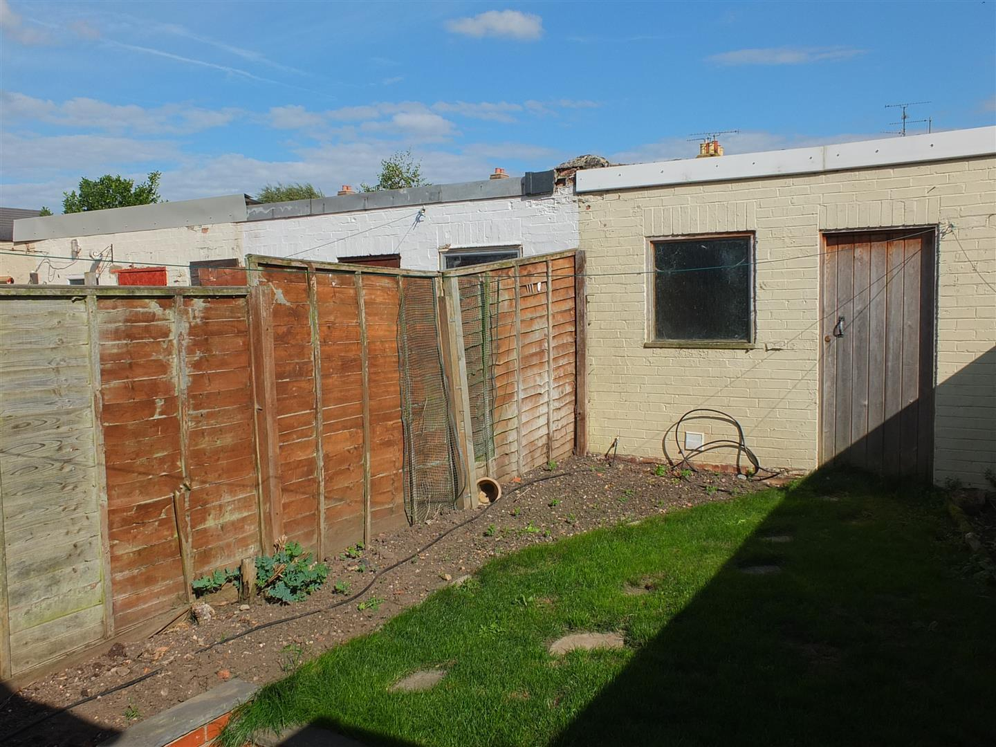2 bed terraced house to rent in Sutton Bridge Spalding, PE12 9SR 10