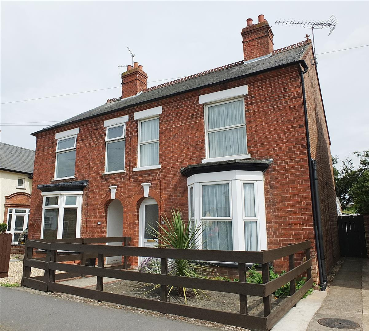 3 bed semi-detached house for sale in Sutton Bridge Spalding, PE12 9RA  - Property Image 1