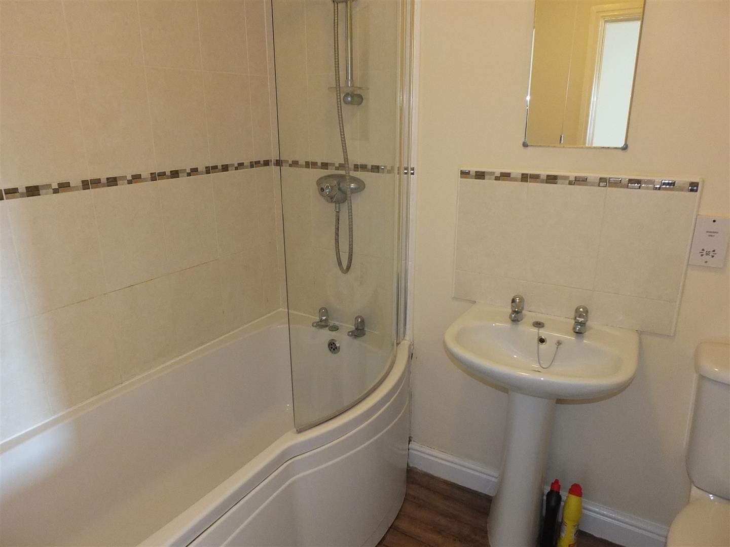 3 bed house to rent in London Road, Lincs 4