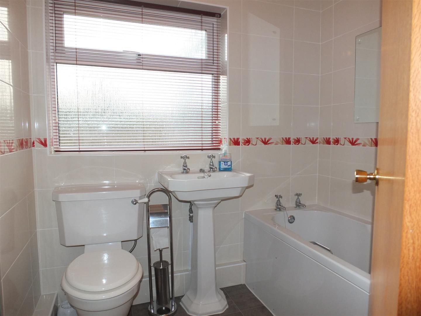 2 bed detached bungalow to rent in Sturton Way, Long Sutton Spalding 5