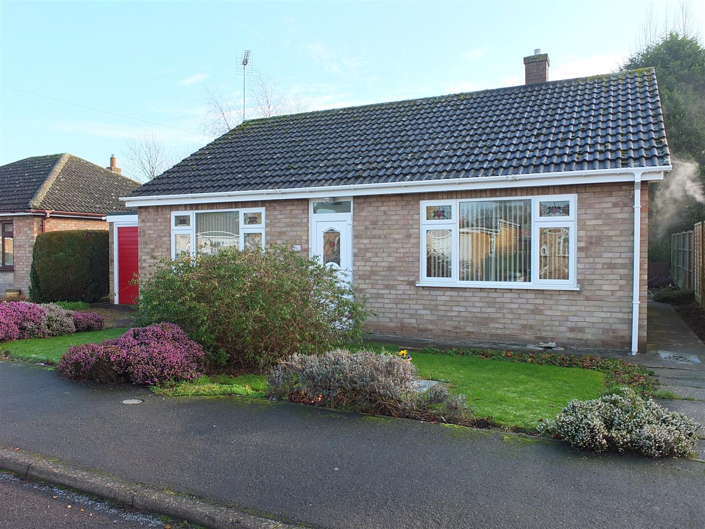 2 bed detached bungalow to rent in Sturton Way, Long Sutton Spalding - Property Image 1