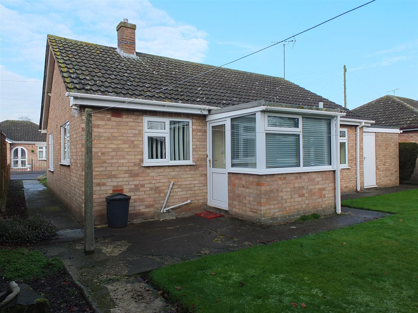 2 bed detached bungalow to rent in Sturton Way, Long Sutton Spalding 8