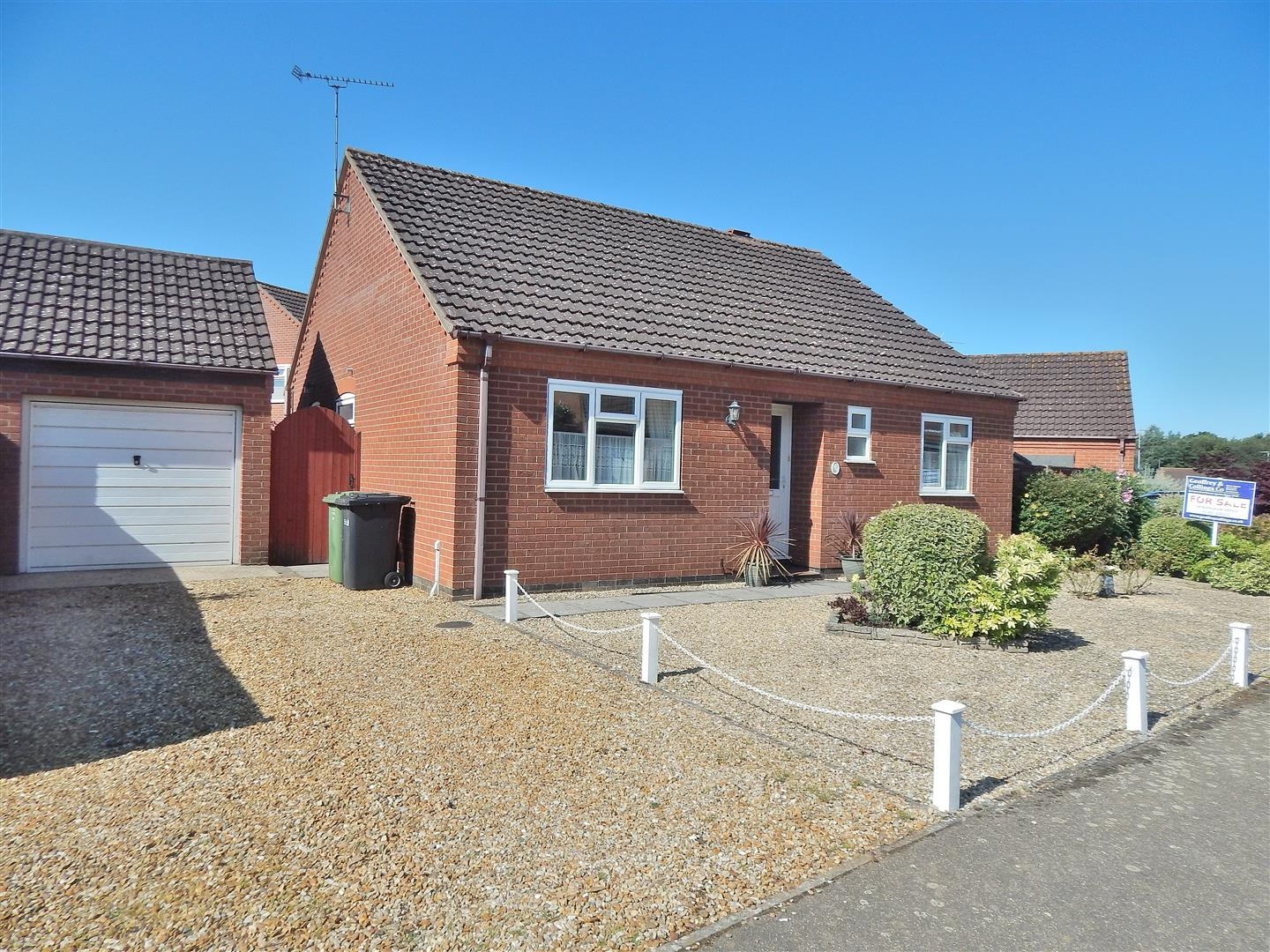 3 bed detached bungalow for sale in King's Lynn, PE31 6UY  - Property Image 1