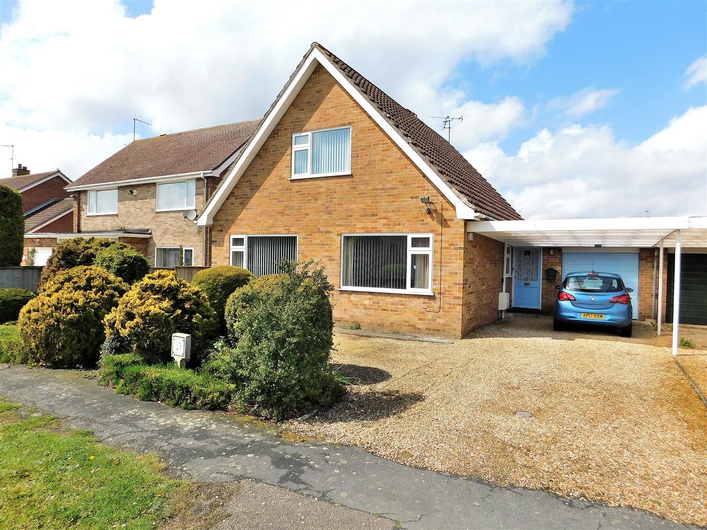 3 bed detached house for sale in Fir Tree Drive, King's Lynn  - Property Image 1