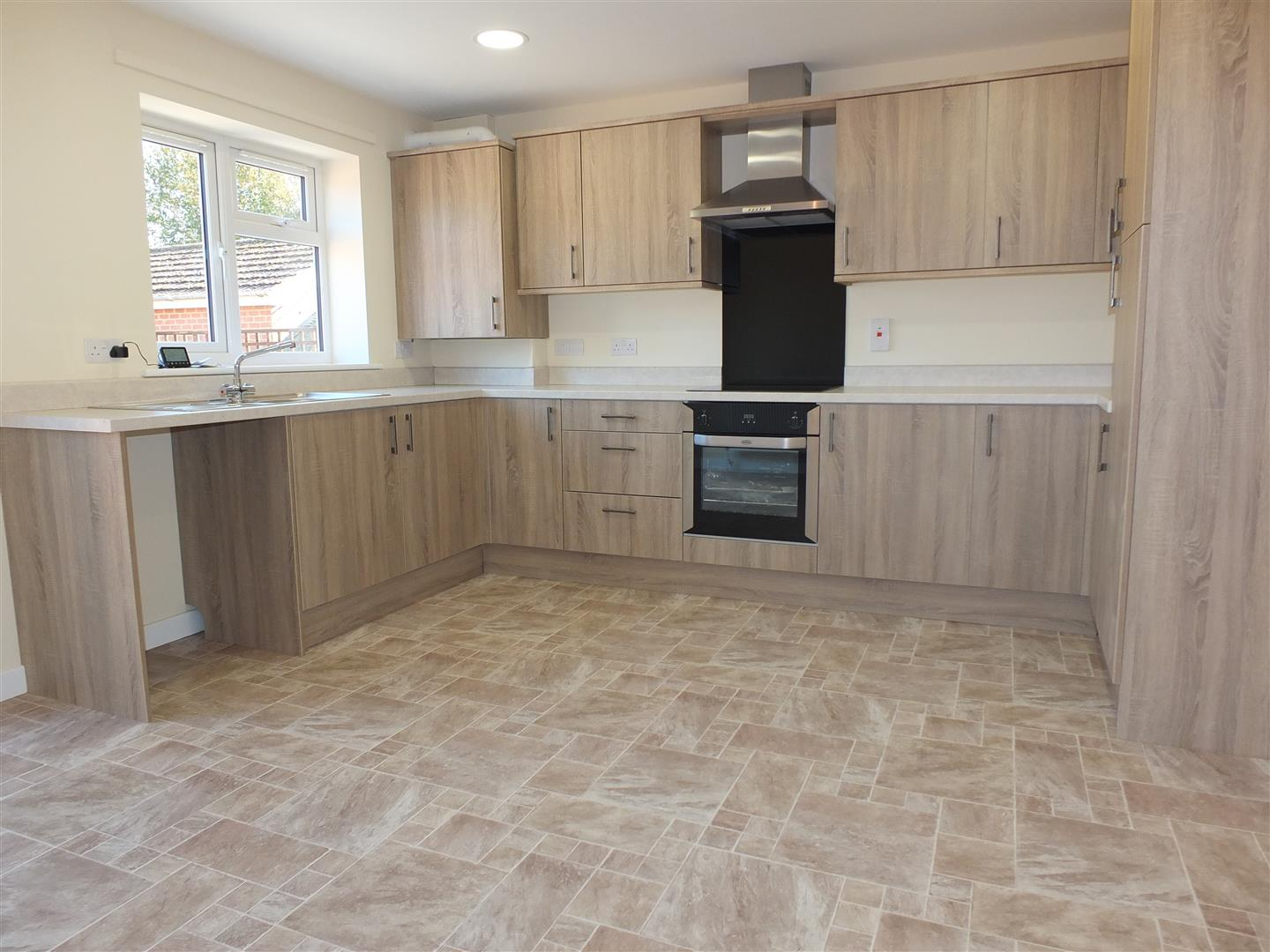 2 bed house to rent in Little London, Long Sutton Spalding 1