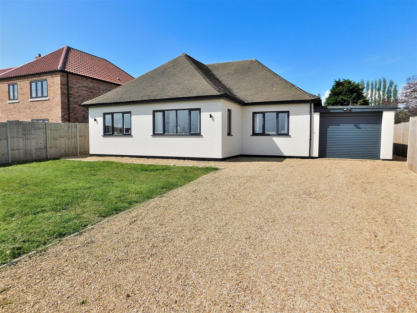 3 bed detached bungalow for sale in Mill Road, Wisbech, PE14