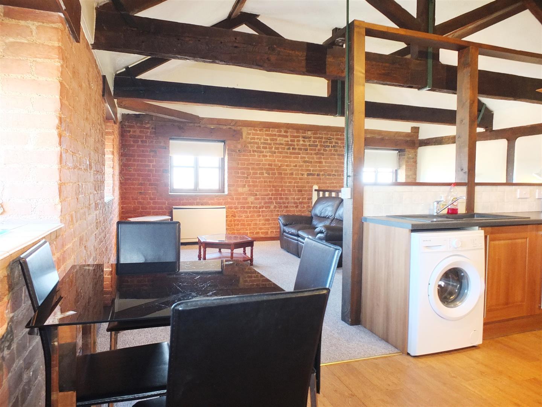 1 bed studio flat to rent in Sutton BridgeS, PE12 9TW 1