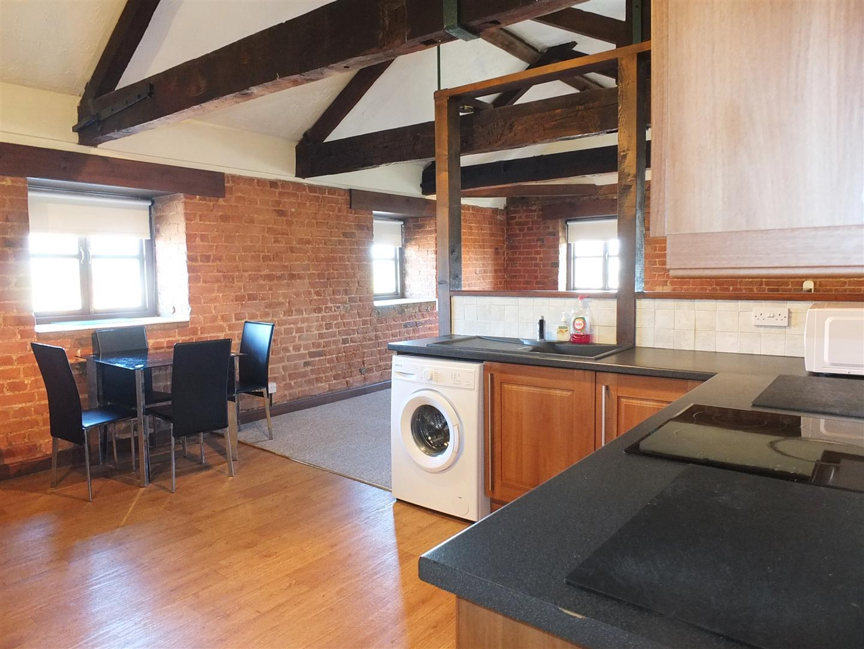 1 bed studio flat to rent in Sutton BridgeS, PE12 9TW 2