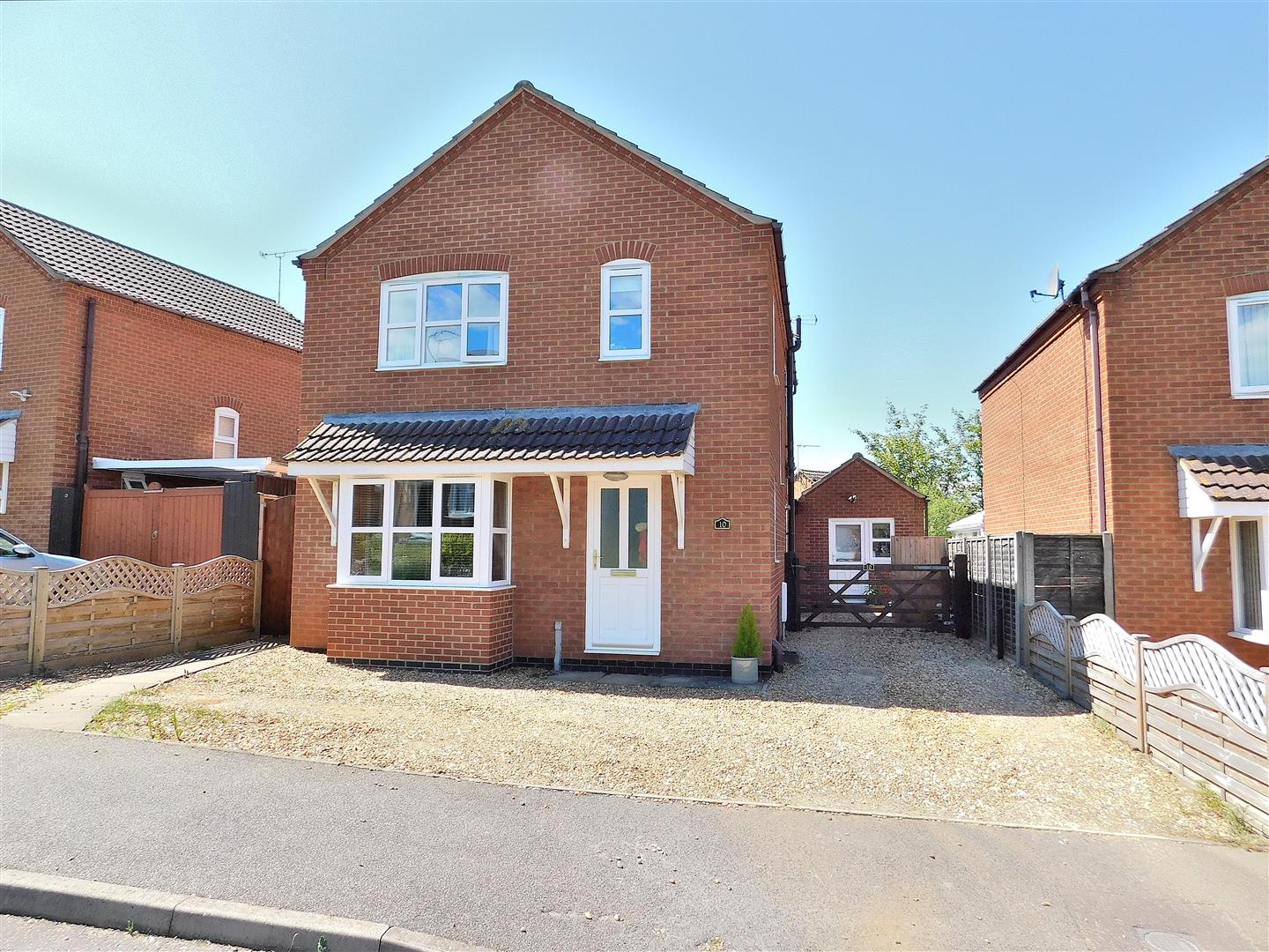 5 bed detached house for sale in Pakenham Drive, King's Lynn  - Property Image 1