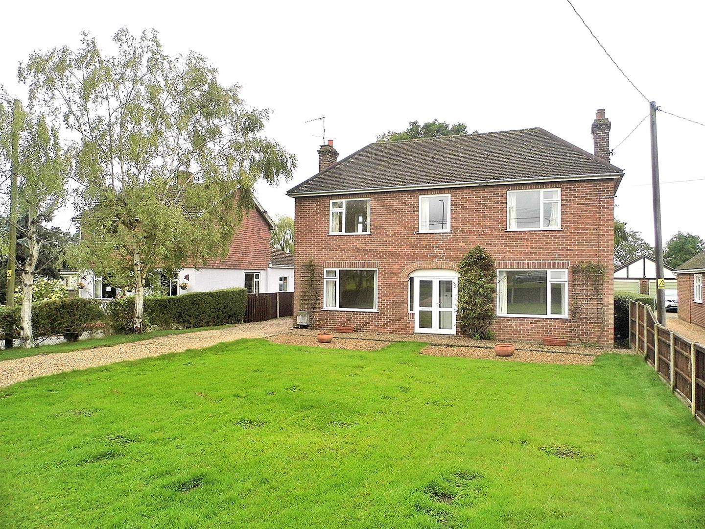4 bed detached house for sale in West Winch Road, King's Lynn  - Property Image 1