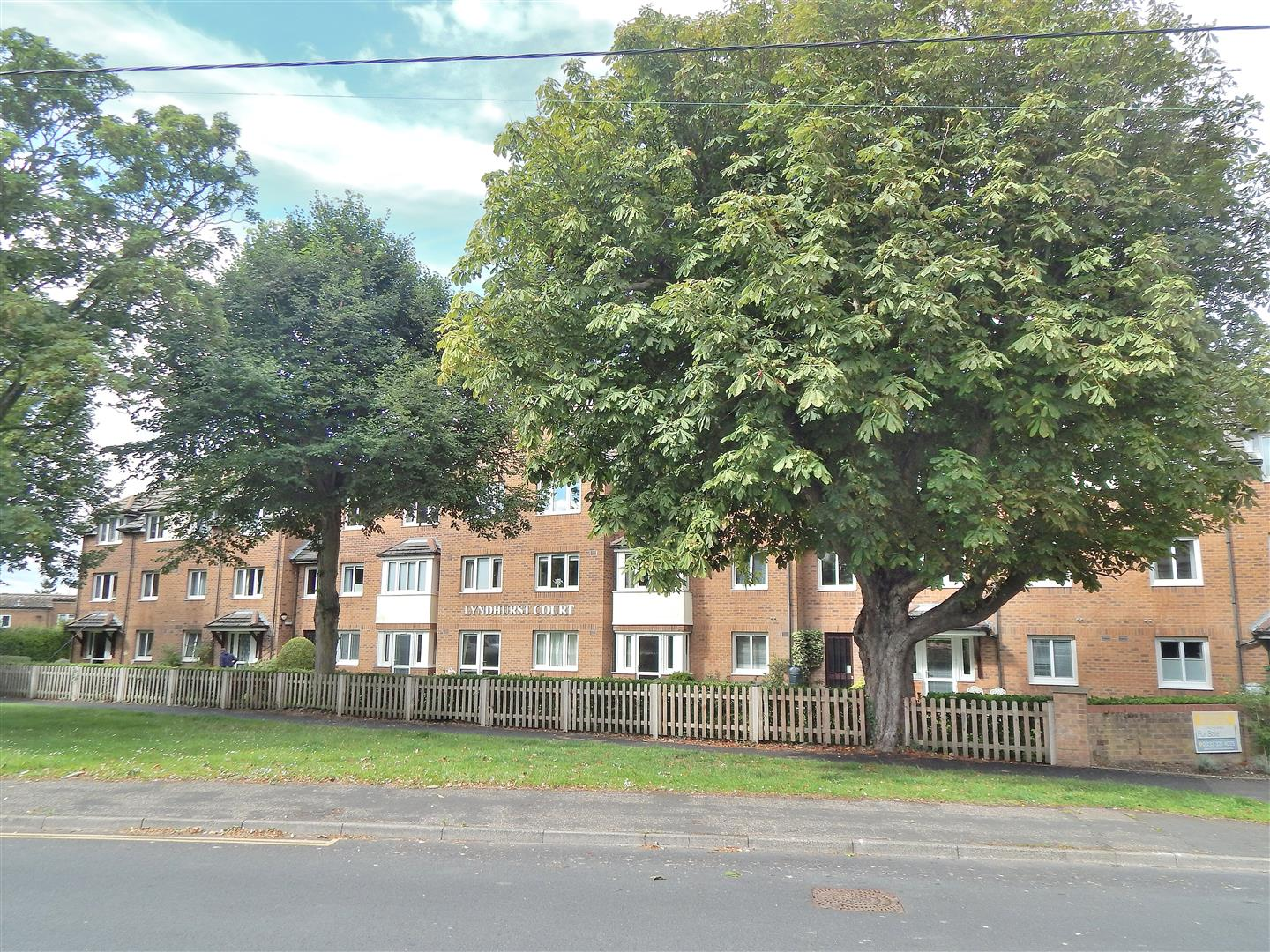 2 bed flat for sale in Hunstanton, PE36 5AE - Property Image 1