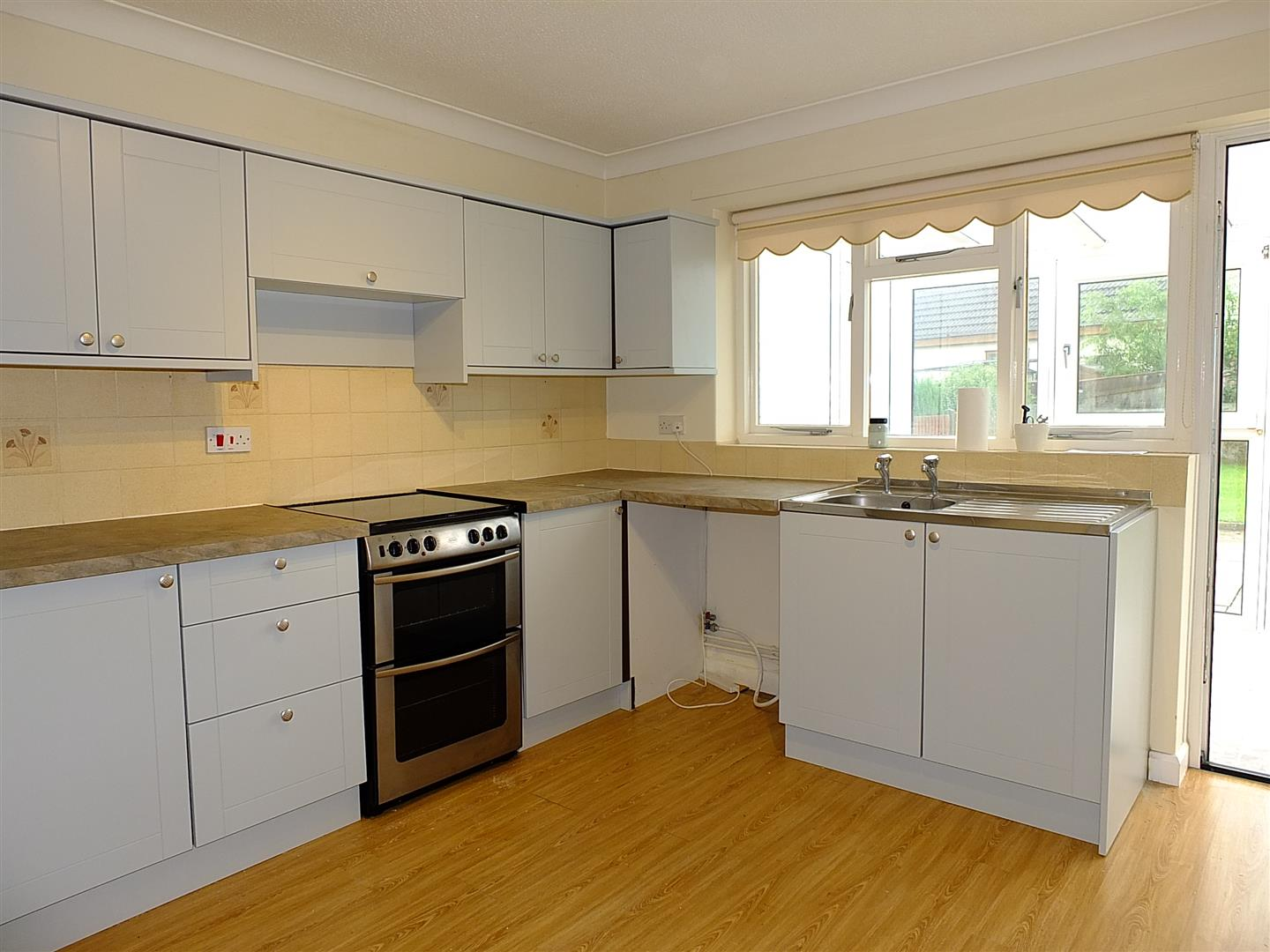 3 bed detached bungalow to rent in Long Sutton Spalding, PE12 9LY 5