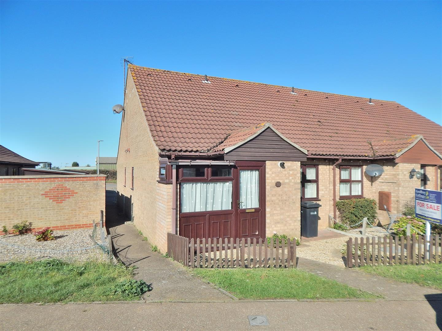 1 bed terraced bungalow for sale in King's Lynn, PE31 7SZ - Property Image 1