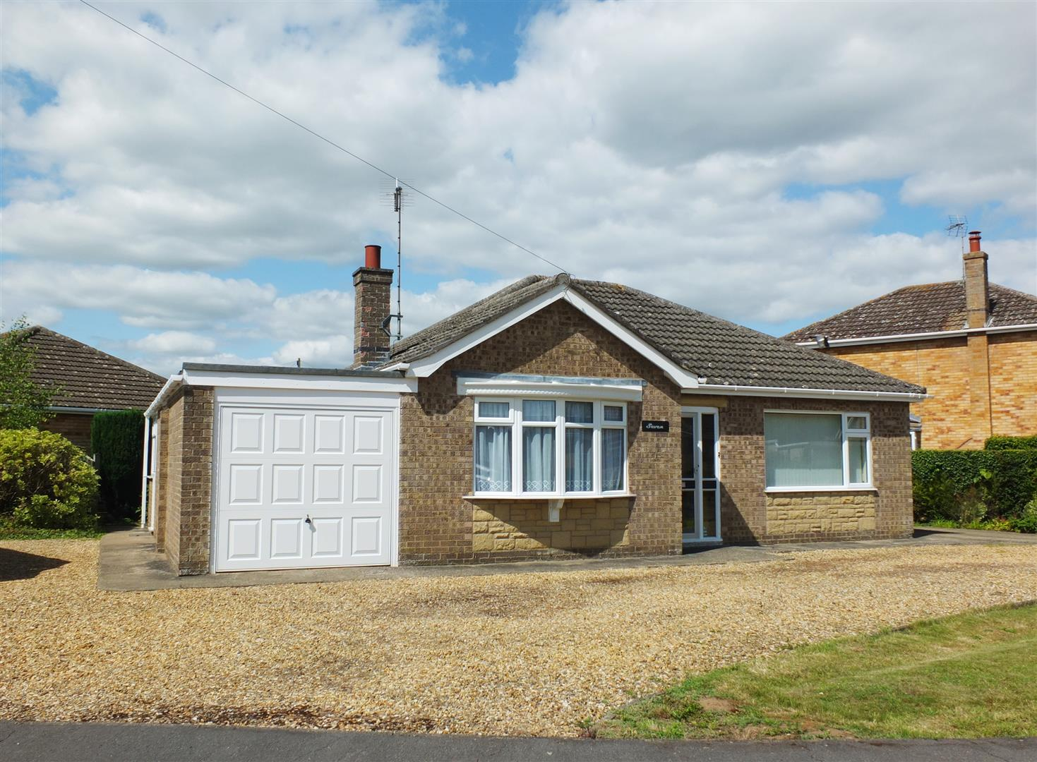 2 bed detached bungalow for sale in Long Sutton Spalding, PE12 9BZ, PE12