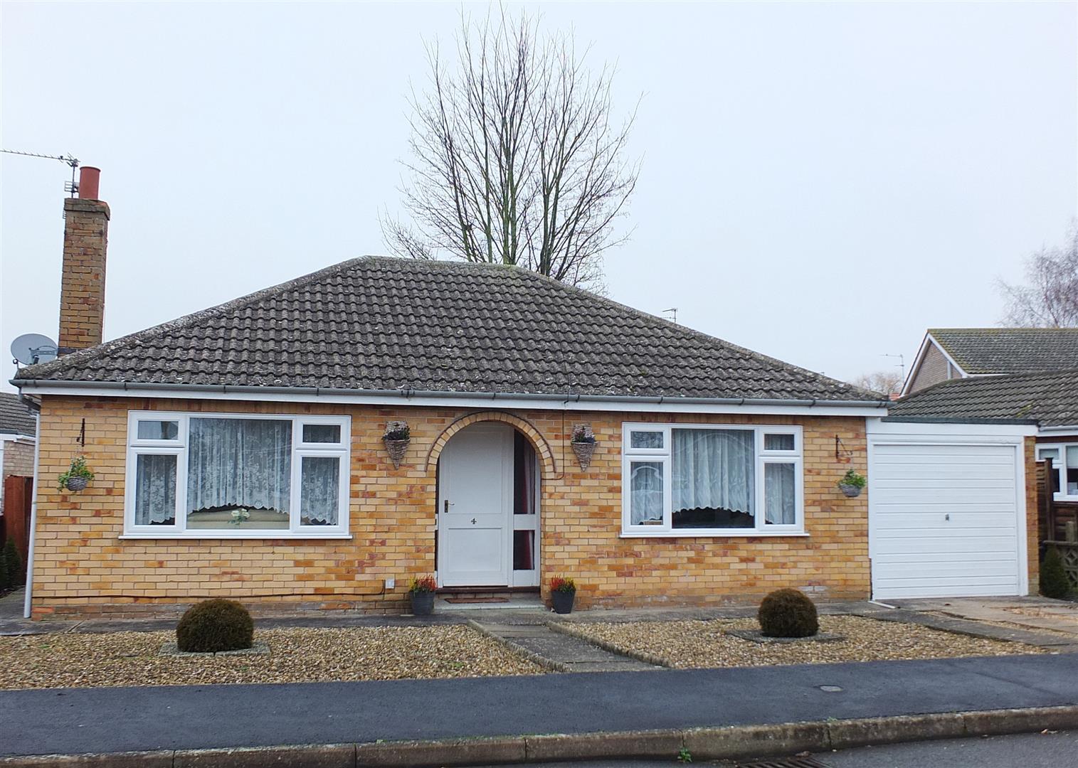 2 bed detached bungalow for sale in Long Sutton Spalding, PE12 9DU - Property Image 1