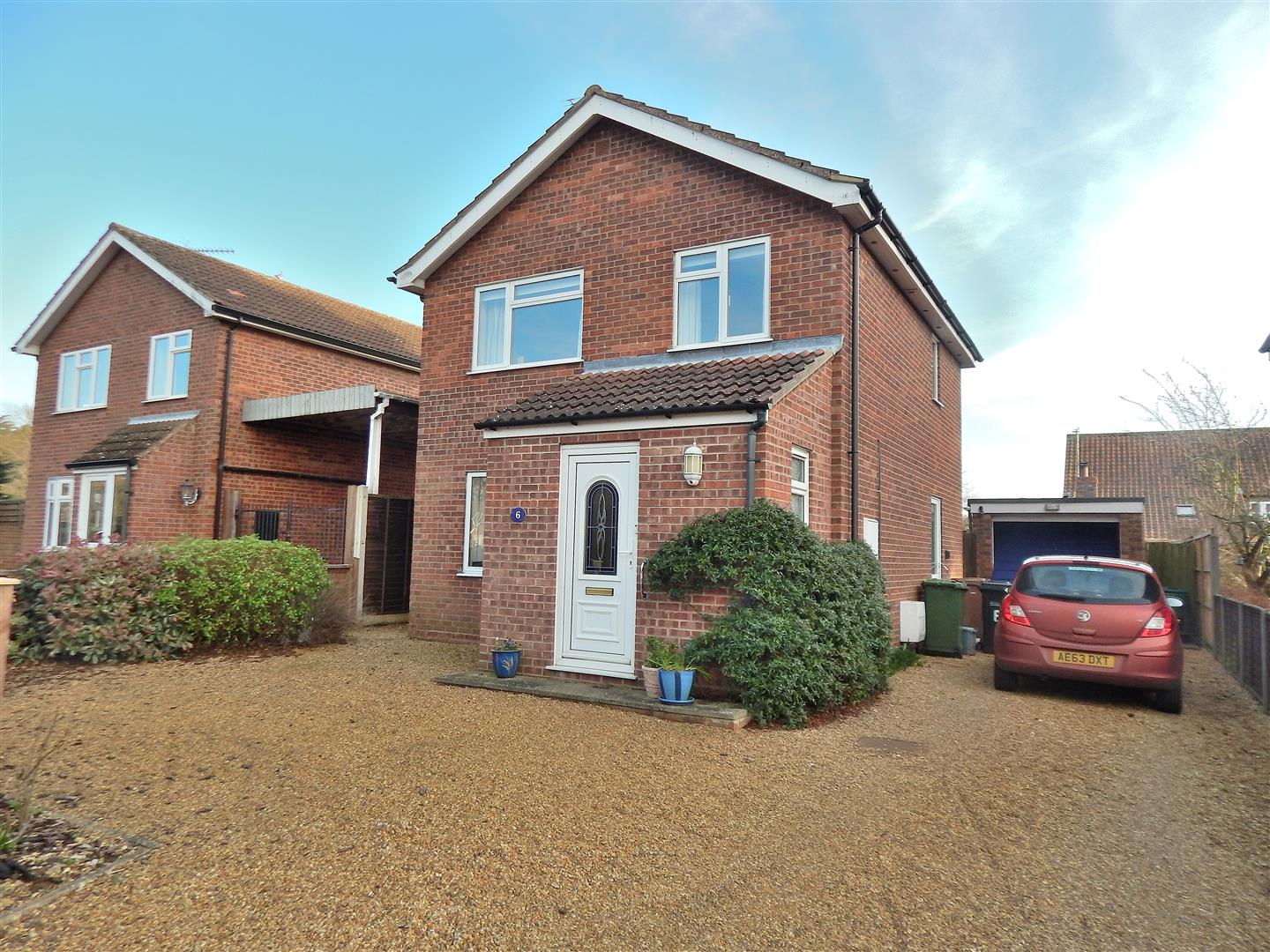 3 bed detached house for sale in King's Lynn, PE31 6LY - Property Image 1