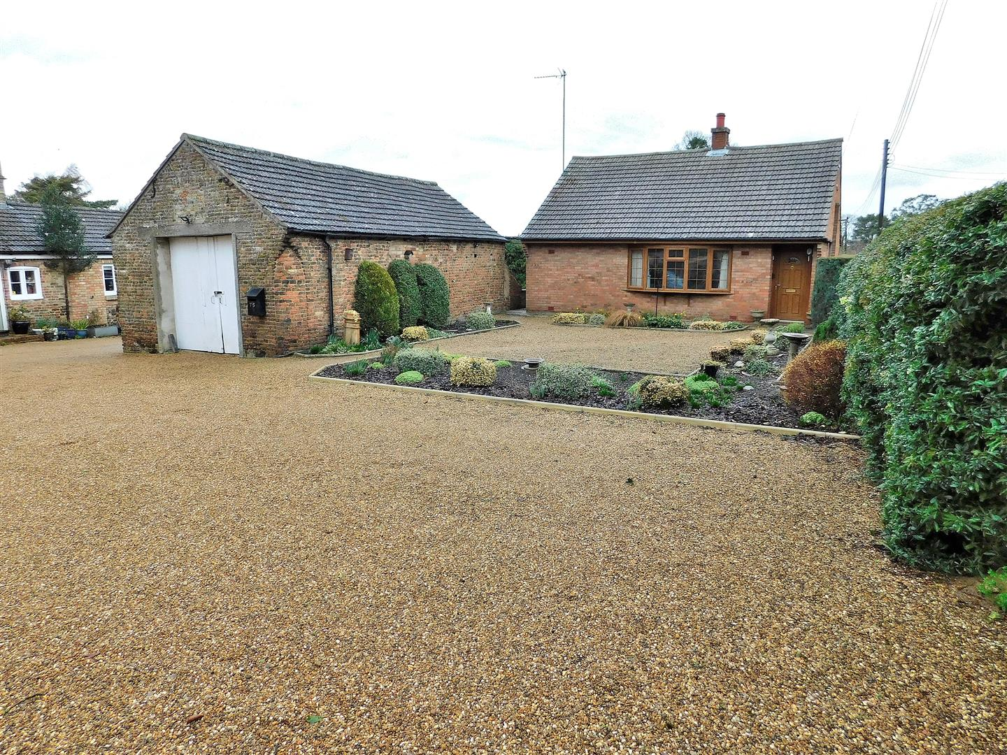 2 bed detached bungalow for sale in King's Lynn, PE34 3QG, PE34