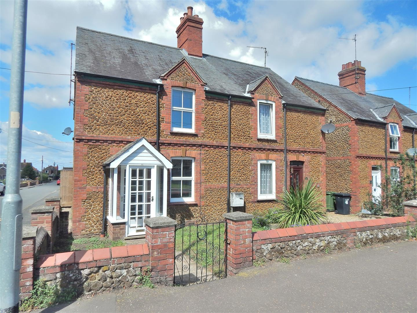 2 bed semi-detached house for sale in King's Lynn, PE31 6NA - Property Image 1