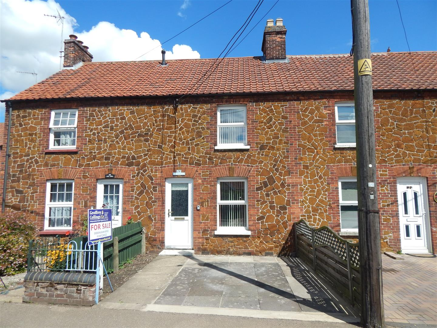 3 bed terraced house for sale in Hunstanton Road, King's Lynn - Property Image 1