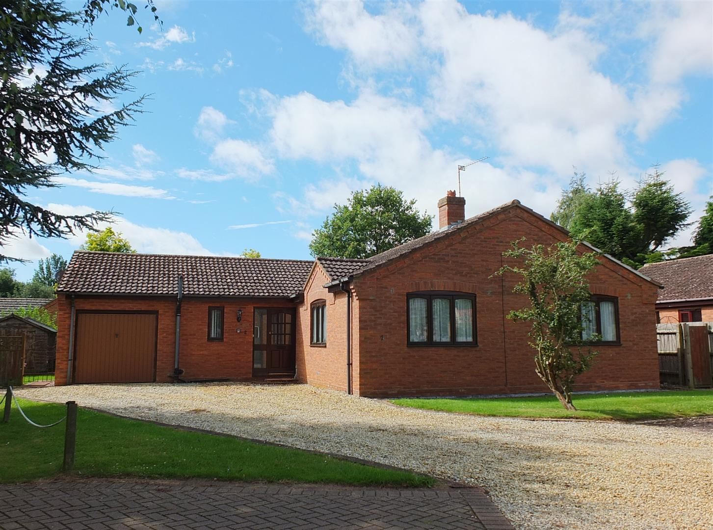 4 bed detached bungalow for sale in Sutton Bridge Spalding, PE12 9QN  - Property Image 1