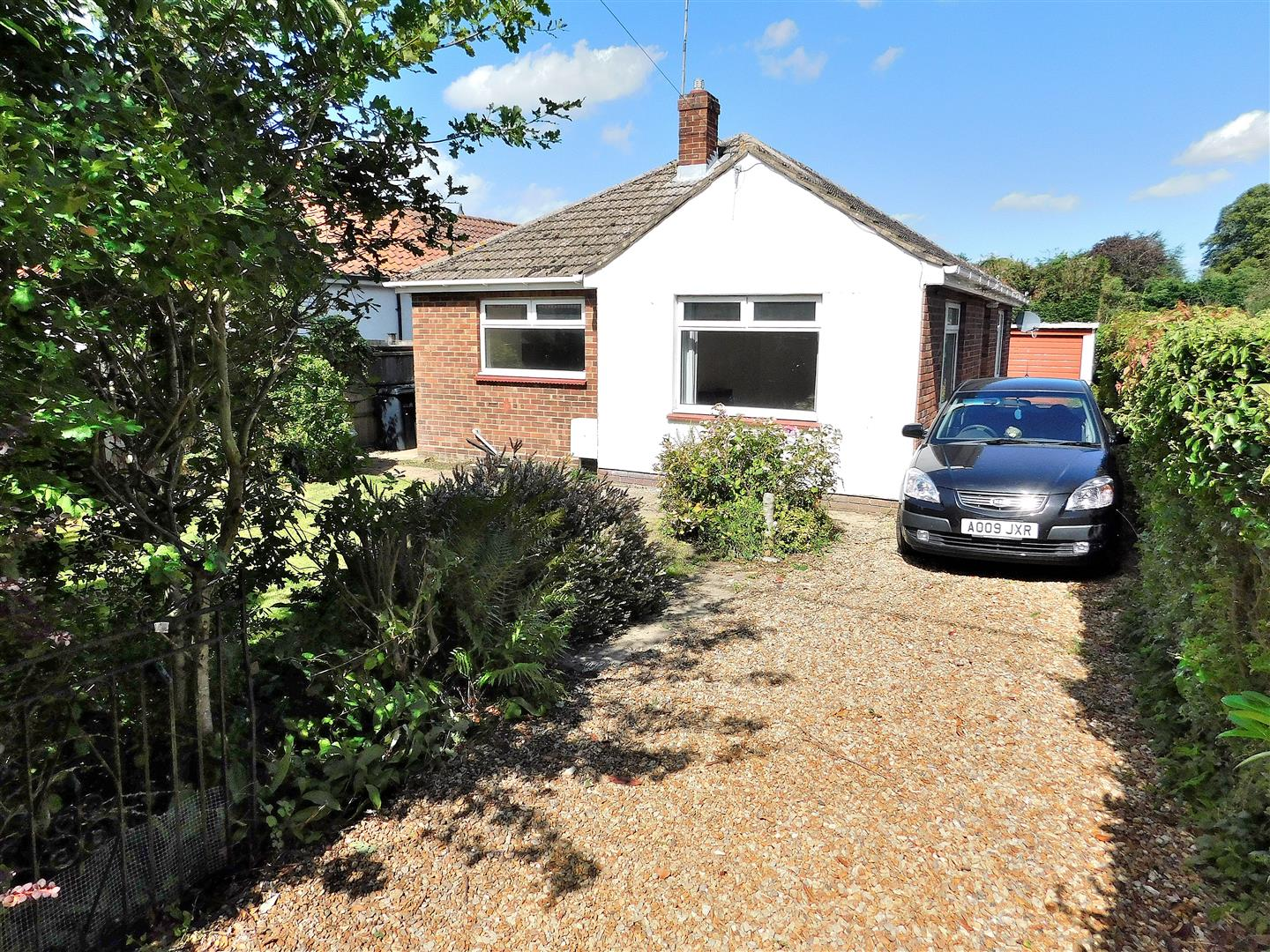2 bed detached bungalow for sale in King's Lynn, PE30 3AY  - Property Image 1
