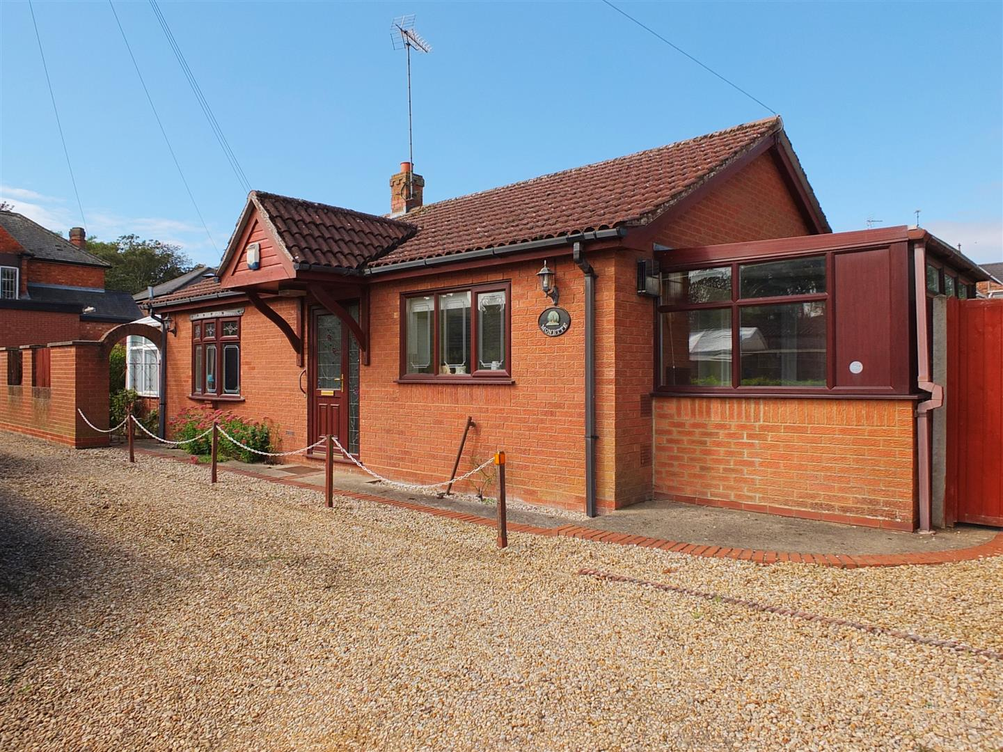 2 bed detached bungalow for sale in Wharf Street, Sutton Bridge Spalding  - Property Image 1
