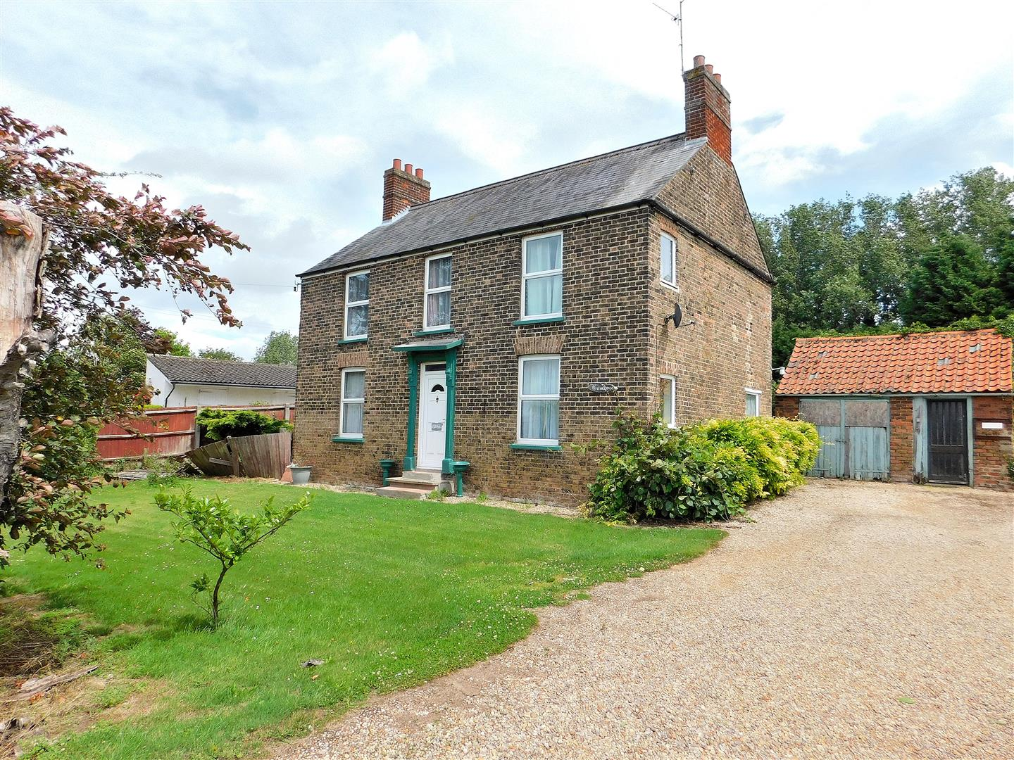 4 bed detached house for sale in Orange Row Road, King's Lynn  - Property Image 1