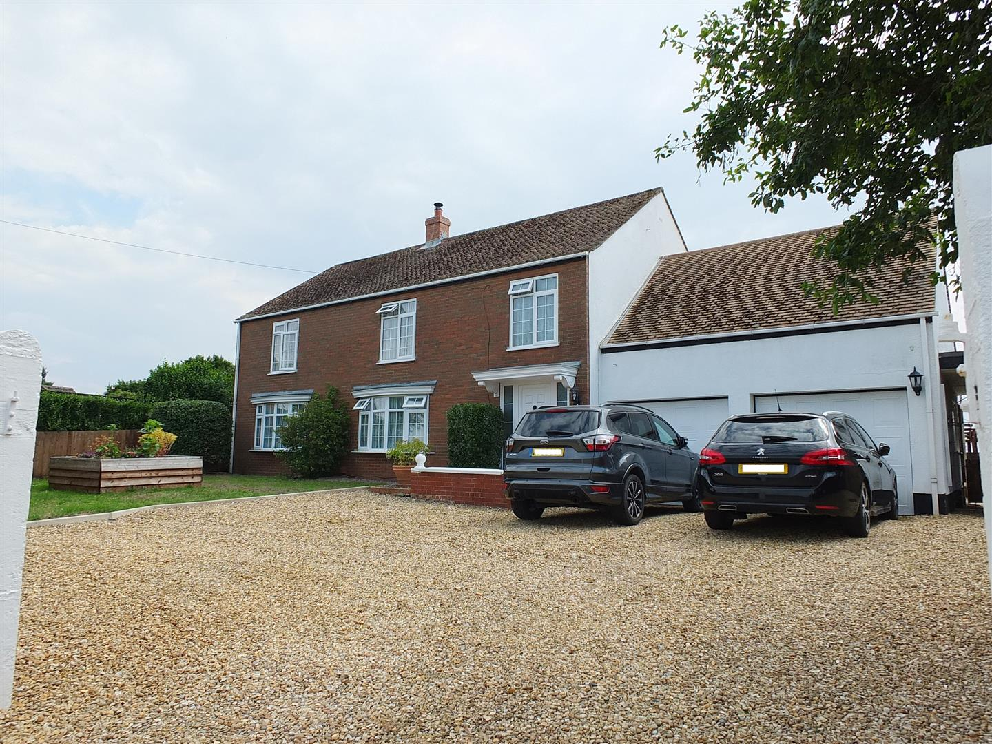 5 bed detached house for sale in Roman Bank, Gedney Dyke Spalding - Property Image 1