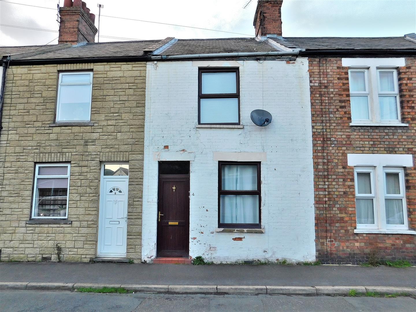 2 bed terraced house for sale in Langham Street, King's Lynn - Property Image 1