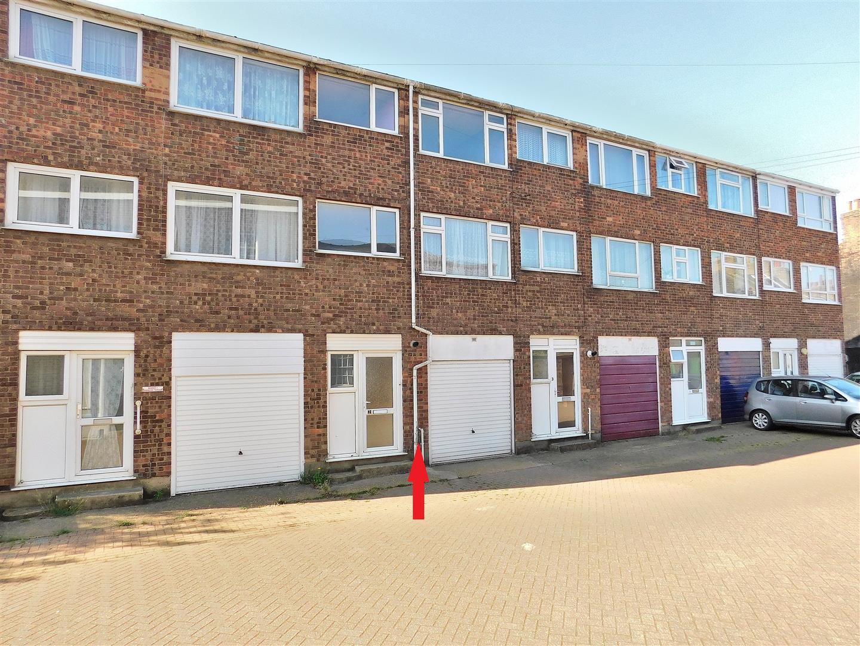 4 bed terraced house for sale in Lynwood Terrace, King's Lynn, PE30