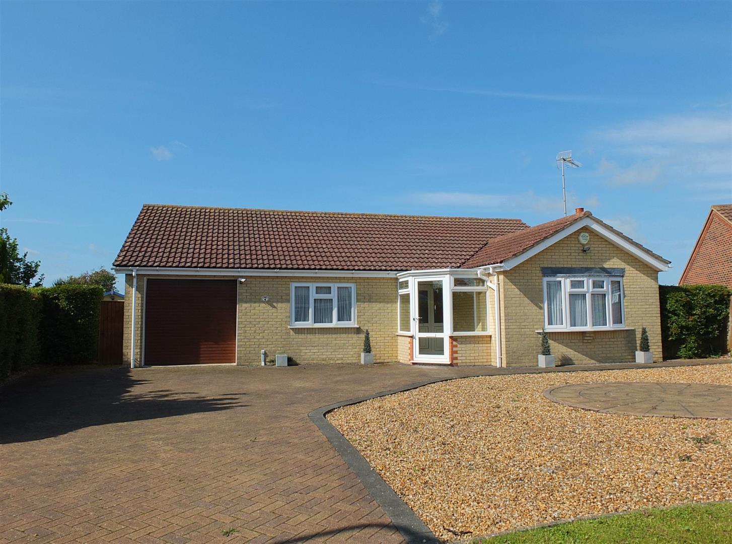 3 bed detached bungalow for sale in Skelton Drive, Long Sutton Spalding 0