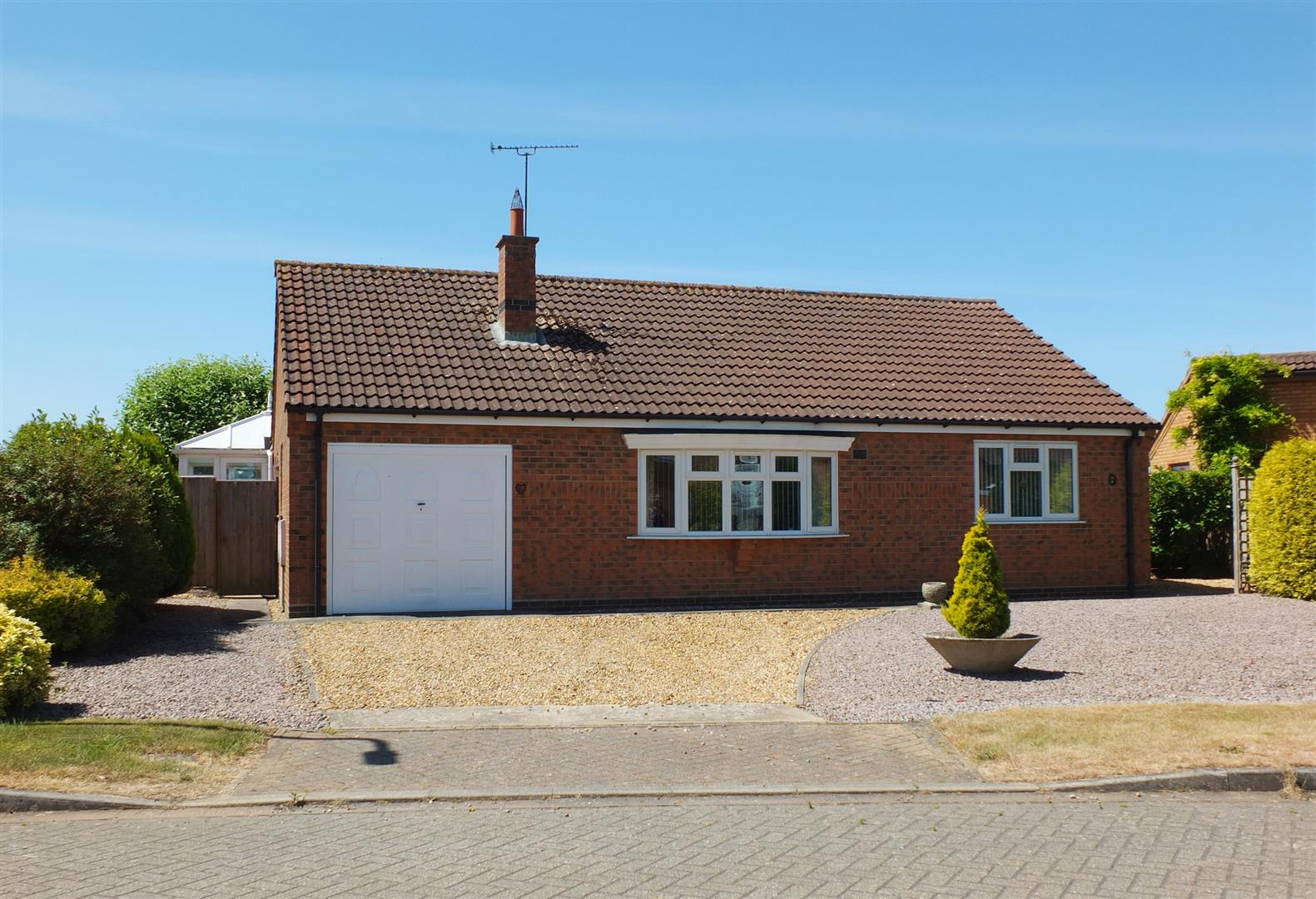 2 bed detached bungalow for sale in Lutton Spalding, PE12 9LX, PE12
