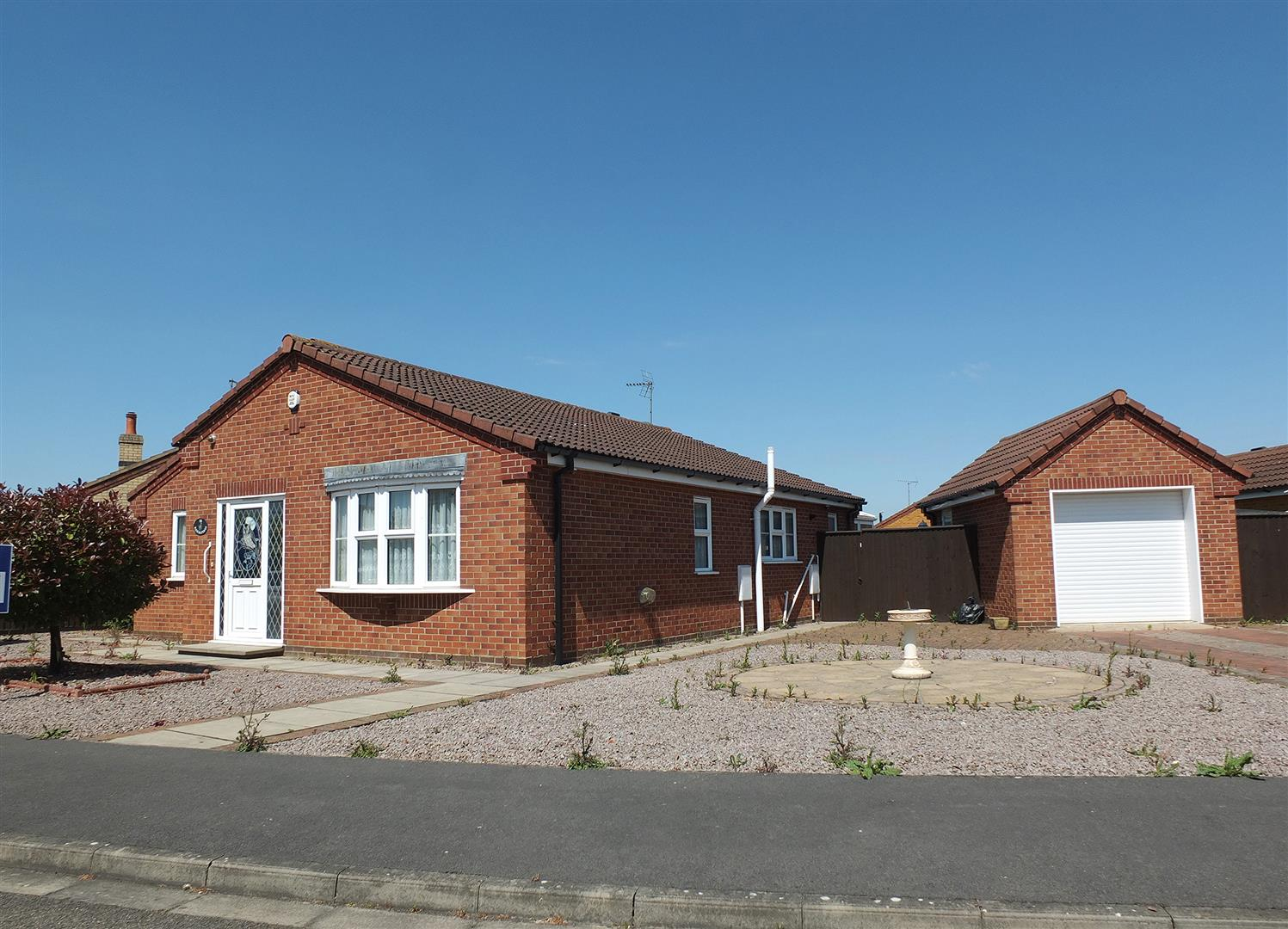 3 bed detached bungalow for sale in Colsuan Gardens, Long Sutton Spalding  - Property Image 1
