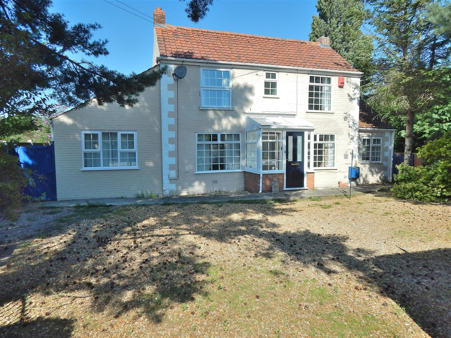 3 bed detached house for sale in 54 Lynn Road, King's Lynn - Property Image 1