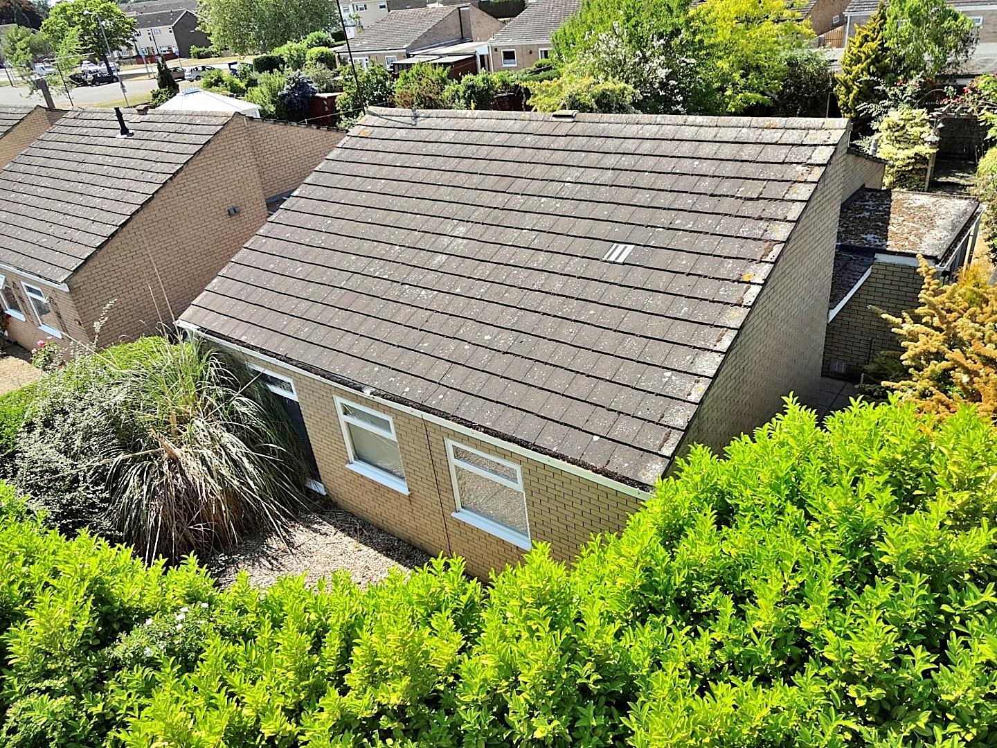 3 bed detached bungalow for sale in King's Lynn, PE30 4XH - Property Image 1