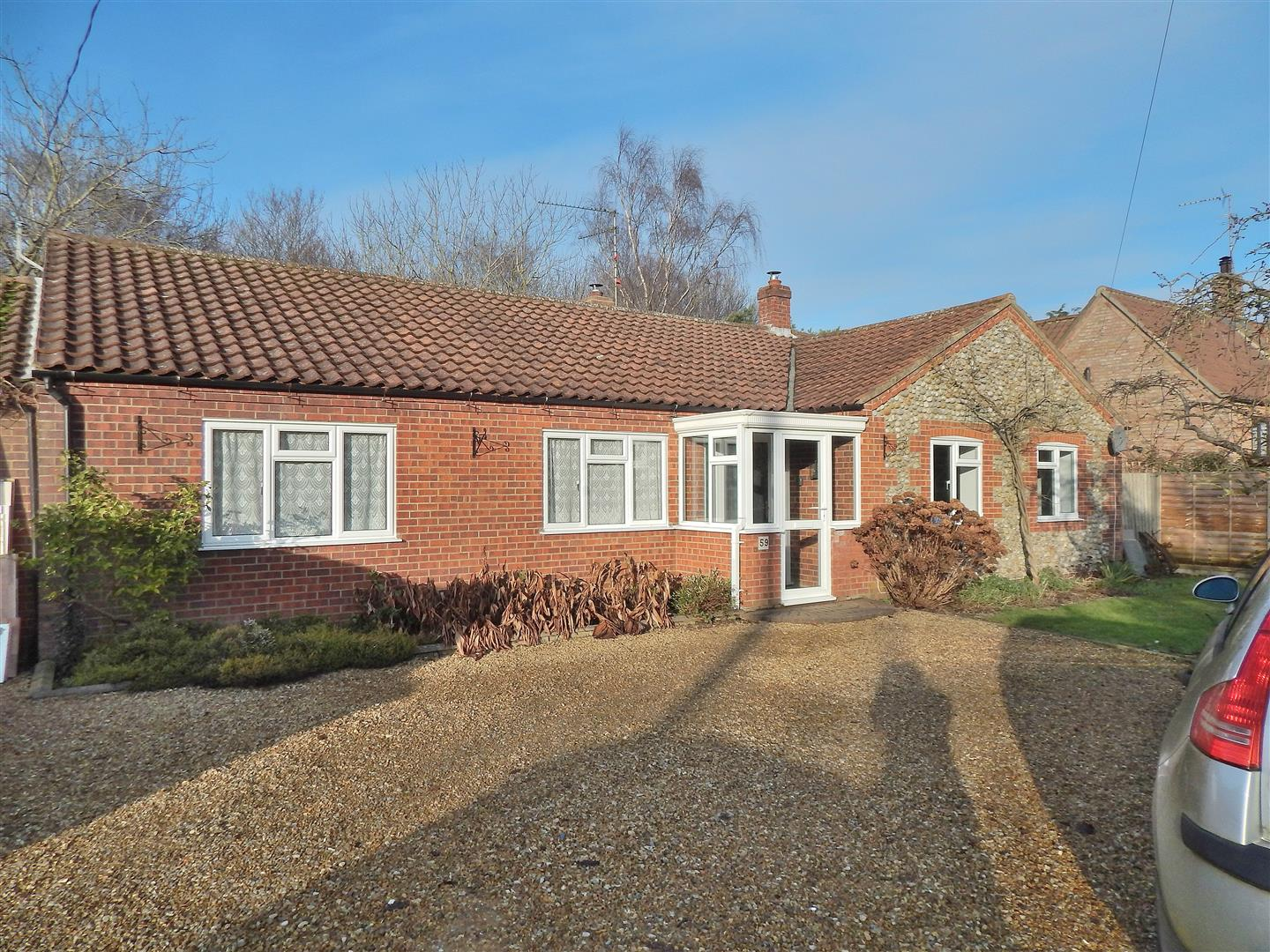 3 bed detached bungalow for sale in King's Lynn, PE31 6QW - Property Image 1
