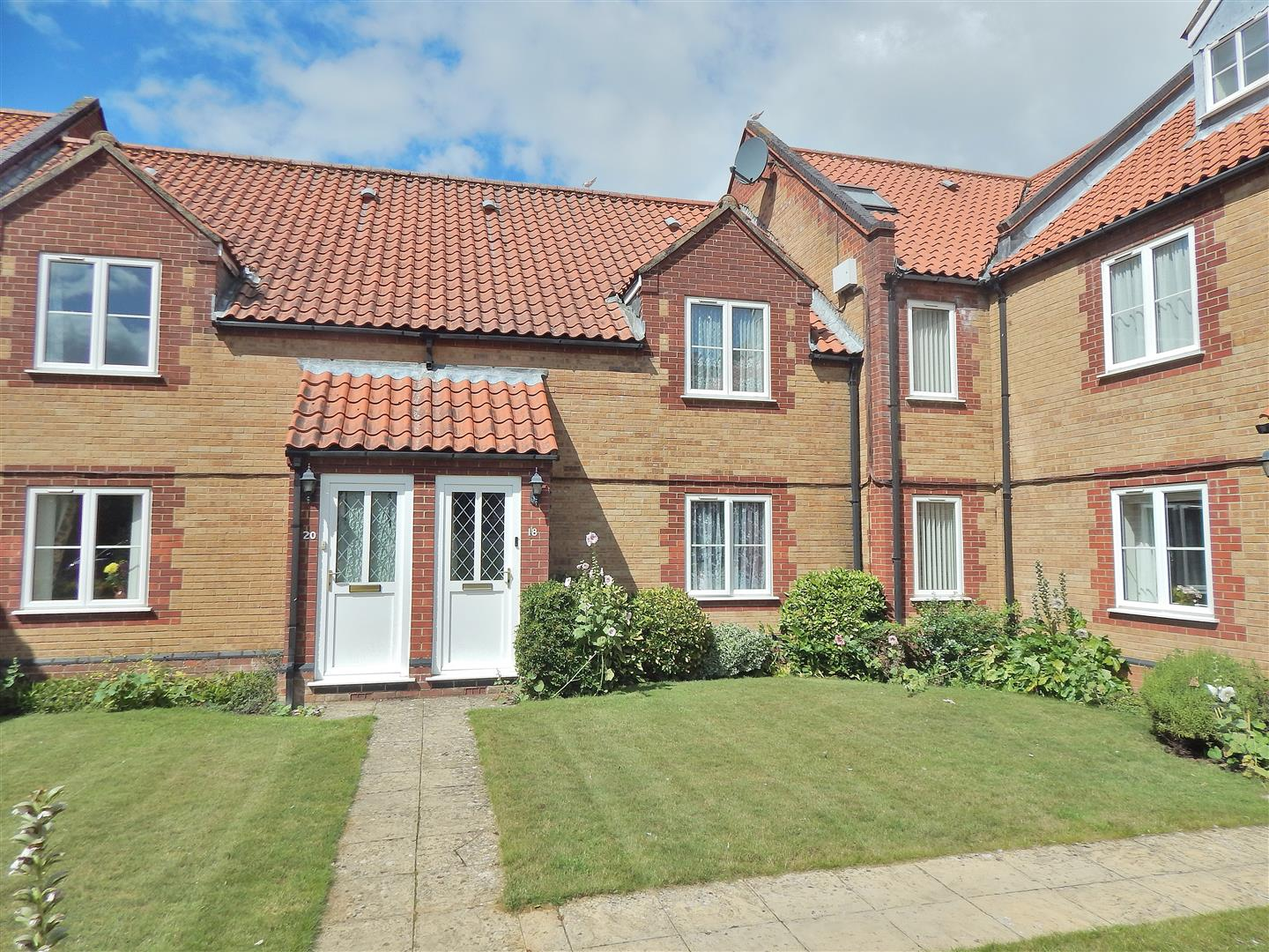 1 bed flat for sale in The Green, Hunstanton Road, King's Lynn  - Property Image 1