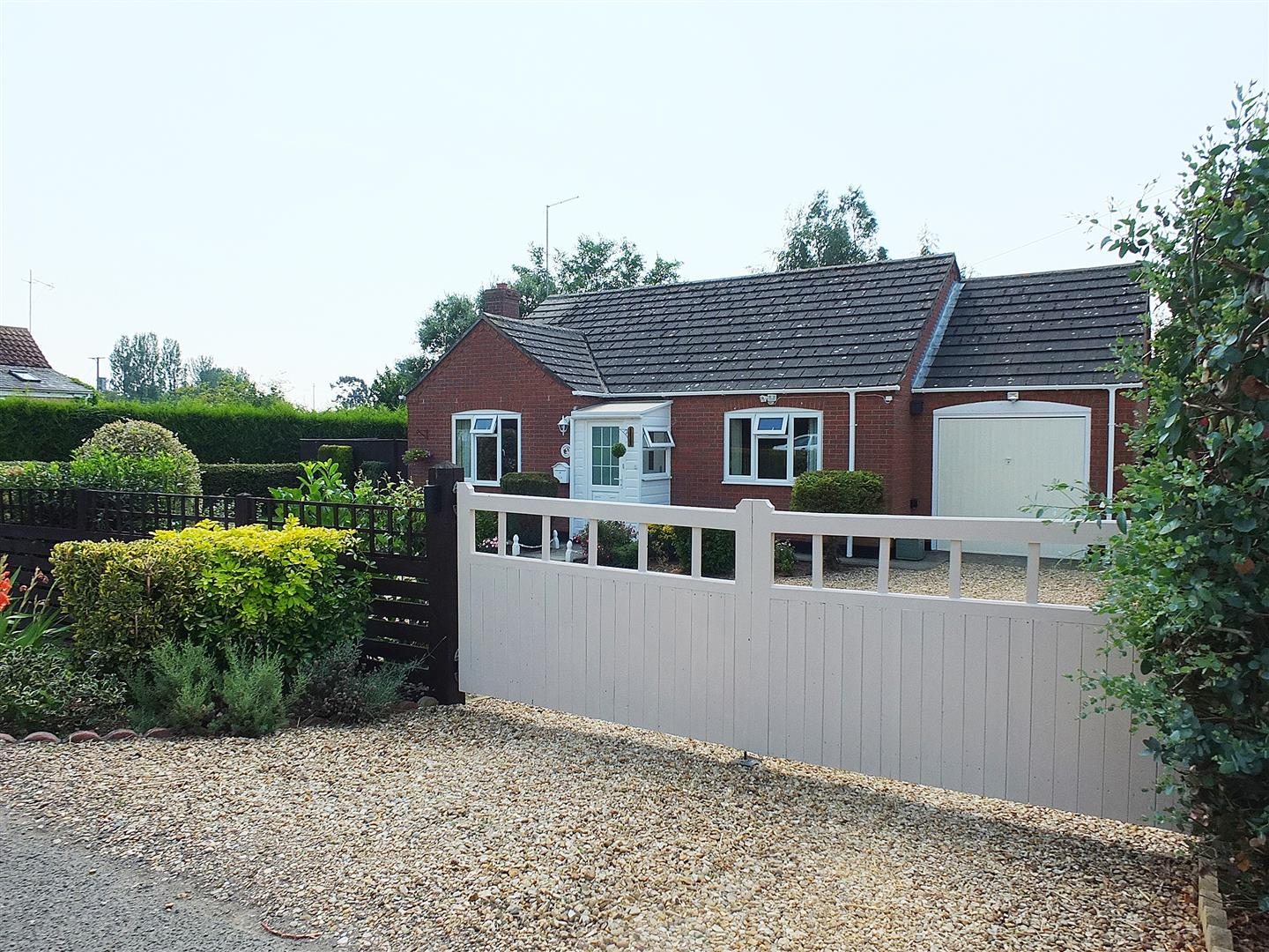 2 bed detached bungalow for sale in Holbeach Drove Spalding, PE12 0PS  - Property Image 1