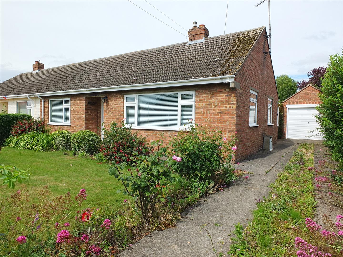 2 bed semi-detached bungalow for sale in Station Road, Long Sutton Spalding  - Property Image 1