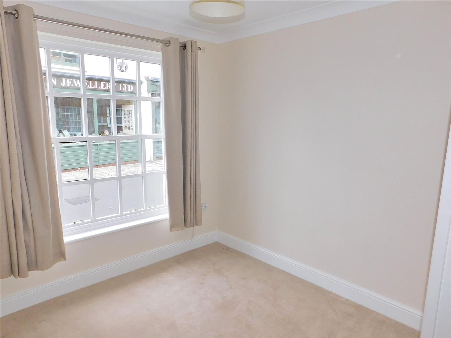 2 bed flat for sale in King's Lynn, PE30 1EG  - Property Image 8