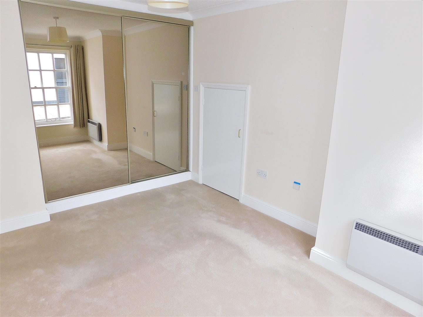 2 bed flat for sale in King's Lynn, PE30 1EG  - Property Image 7
