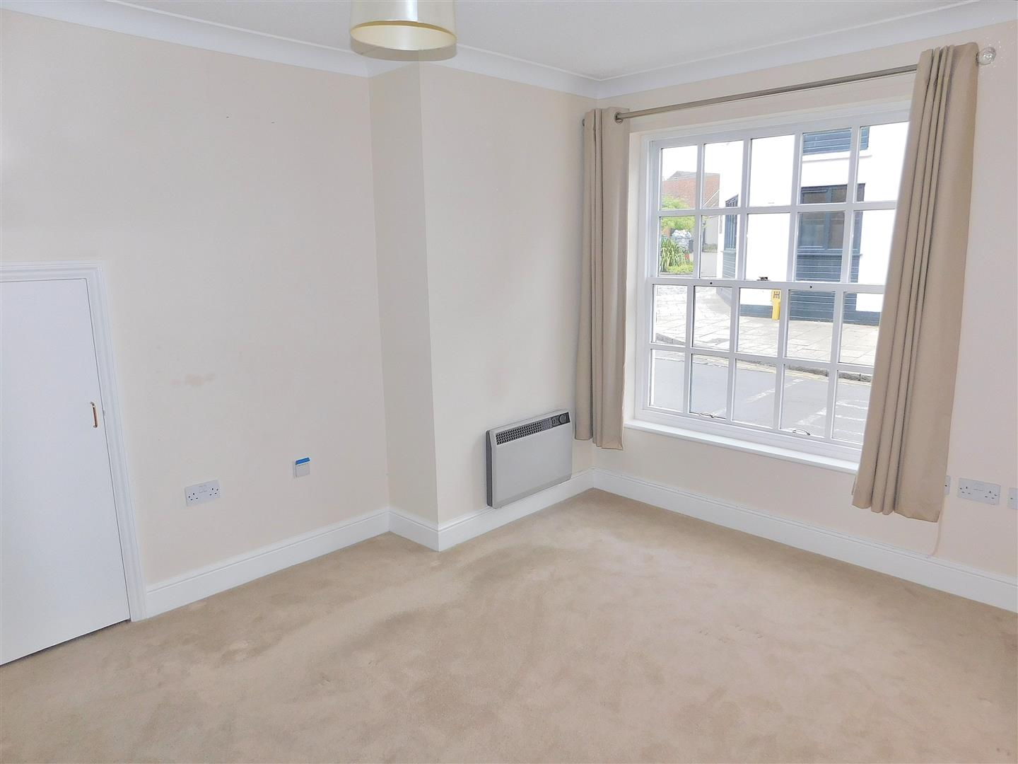 2 bed flat for sale in King's Lynn, PE30 1EG  - Property Image 6