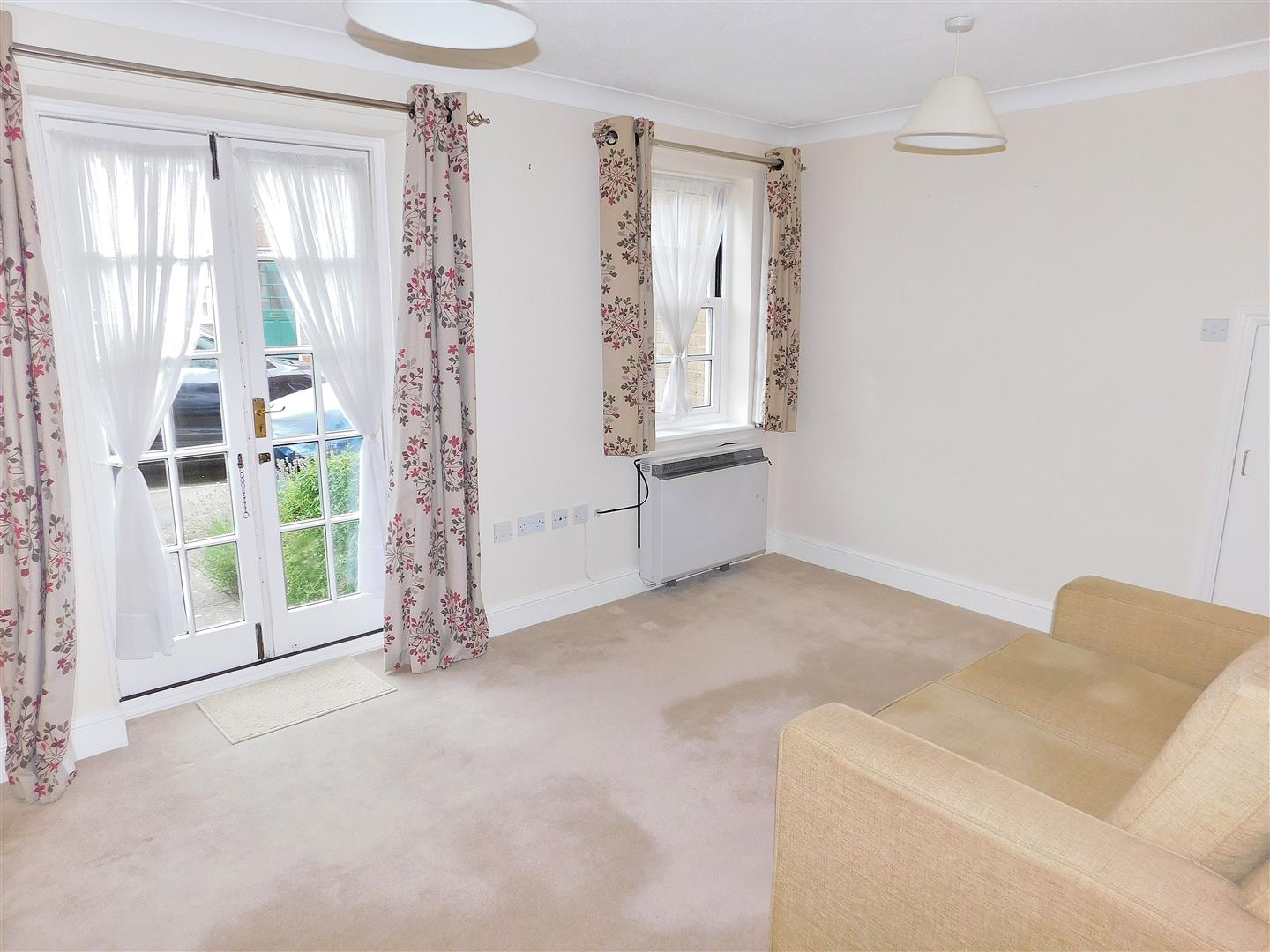 2 bed flat for sale in King's Lynn, PE30 1EG  - Property Image 3