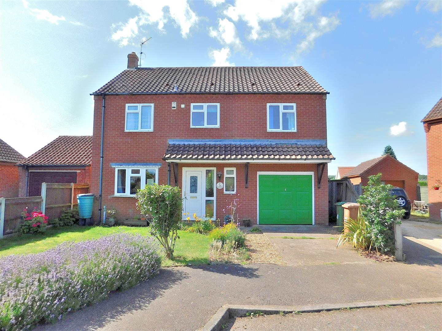 4 bed detached house for sale in King's Lynn, PE31 6JT  - Property Image 1
