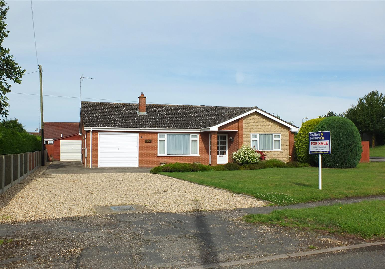 3 bed detached bungalow for sale in Long Sutton Spalding, PE12 9AD  - Property Image 1