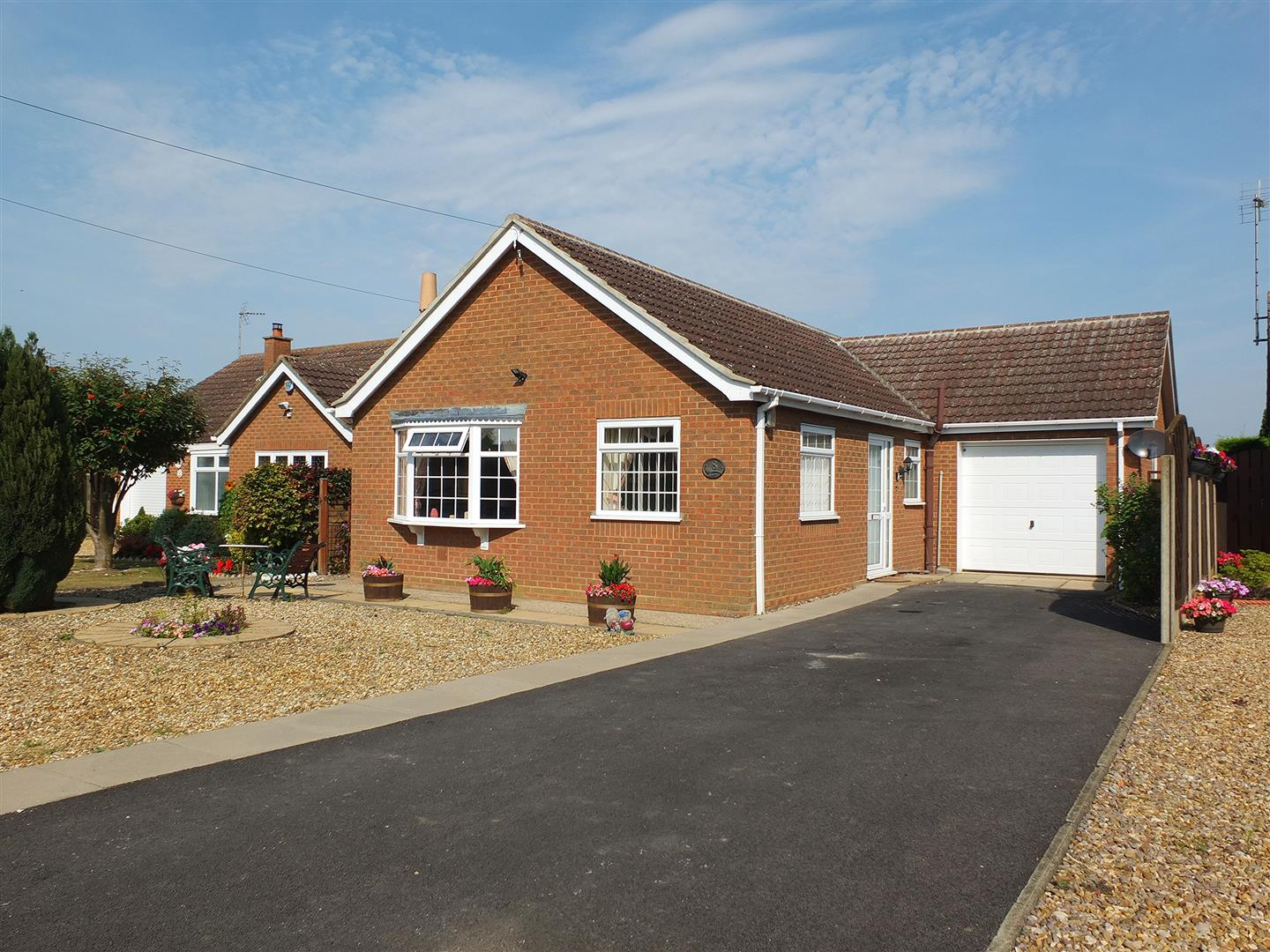 2 bed detached bungalow for sale in Lutton Spalding, PE12 9NU, PE12