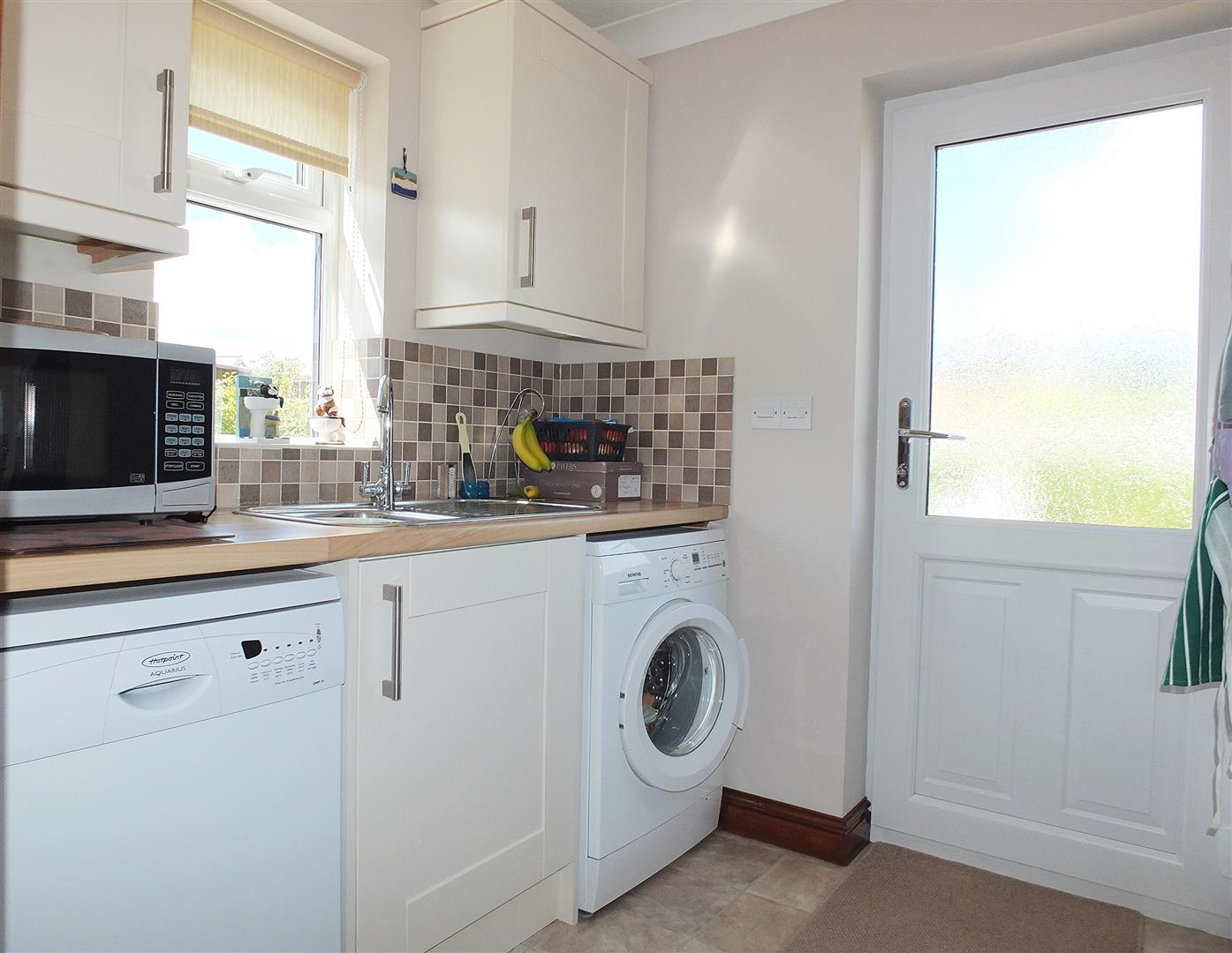3 bed detached bungalow for sale in Long Sutton Spalding, PE12 9FT  - Property Image 8