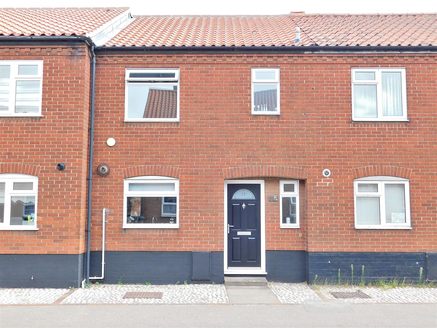 3 bed terraced house for sale in Swaffham, PE37 7DB  - Property Image 1